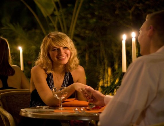 What to say or how to say in First Meeting with Girl on Dinner. www.datedosti.com
