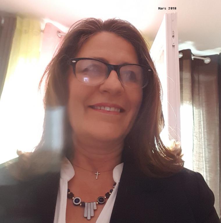 Aurelie femme ronde celibataire avec enfants [PUNIQRANDLINE-(au-dating-names.txt) 58