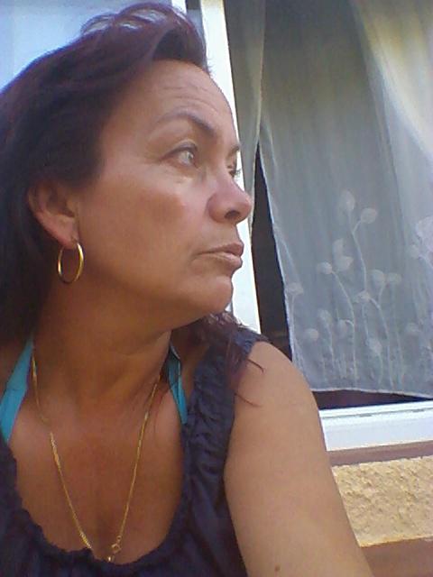 brunette2b