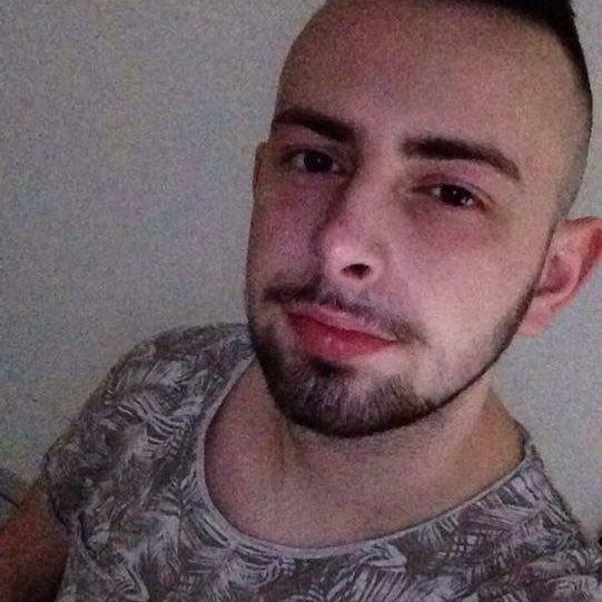 Celibataire homme 21 ans [PUNIQRANDLINE-(au-dating-names.txt) 68