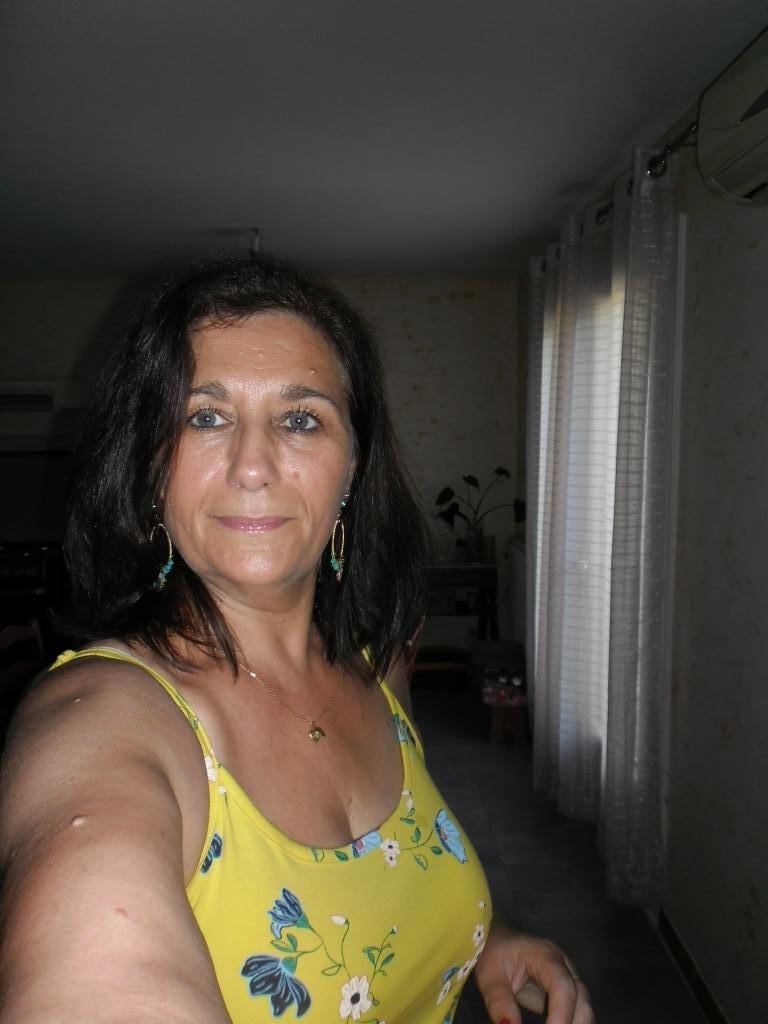 rencontrer des femmes avec succès à nîmes rencontre femme divorce oran algerie