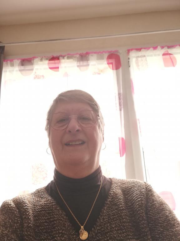 recherche femme 70 ans en normandie)