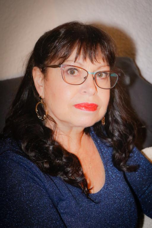 Eugenie24